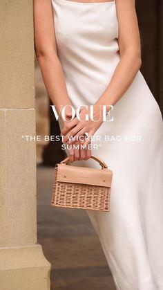 Creative Fashion Photography, Photography Bags, Jewelry Photography, Photography Editing, Ads Creative, Look Fashion, Fashion Design, Fashion Advertising, Fashion Videos