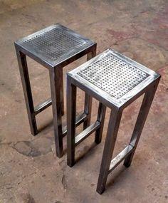 banqueta taburete en hierro pulido y laqueado 60 cm.