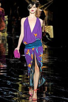 Louis Vuitton Spring 2011 Ready-to-Wear Fashion Show - Kristina Salinovic (SELECT)
