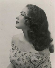 That 1940s long hair Girlie look.