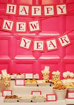 Printable New Year 2014 Banners, New Year's Eve Decor, 2014 New Year Decorations www.loveitsomuch.com