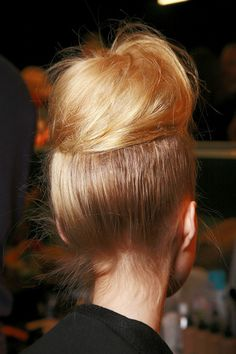 My new favorite second day hair do! So chic and easy to do! Vintage hair is hot!