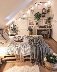 Home Interior Decoration Love the idea for the way the string lights climb with the slanted ceiling.Home Interior Decoration Love the idea for the way the string lights climb with the slanted ceiling Urban Outfiters Bedroom, Bohemian Bedroom Decor, Bohemian Interior, Gypsy Bedroom, Cozy Bedroom Decor, Fantasy Bedroom, Bohemian Homes, Comfy Bedroom, Bedroom Decor For Couples Cozy