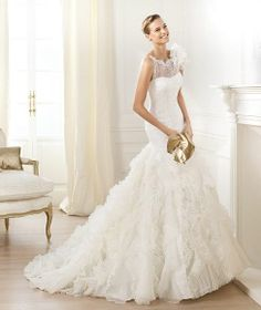 2014 Pronovias mermaid spring wedding dress