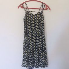 Unique lighting bolt dress. Size L fits like M Super cool and unique dress! worn twice. 100% polyester but does not stretch at all. zipper in the back. this would fit a smaller medium to medium person. The chest is a little higher than you would expect; about a hand below your collarbone, so don't buy this if you're tryna show cleavage. Lastly I am out of the country from June 12-July 5 audrey 3+1 Dresses