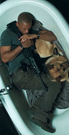 I Am Legend...One of my favorite movies ever just because of Samantha the GSD
