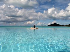 Cocobay infinity pool by bubbapictures