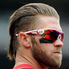 Do you like Bryce Harper haircuts? Hold on, we have got a collection of top 10 Bryce Harper haircut and hairstyles that you can copy to look cool just like Bryce Harper. Mullet Haircut, Mullet Hairstyle, Haircut Styles, Hairstyle App, Haircut Images, Haircut Pictures, Celebrity Short Hair, Celebrity Haircuts, Hairstyles Haircuts
