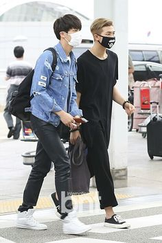 "Once you namjin, you can't namjout © is part of Bts jin - Kim Seokjin "" Fashionista couple Seokjin, Kim Namjoon, Jung Hoseok, Namjin, Taekook, Bts Airport, Airport Style, Airport Fashion, Kpop Fashion"