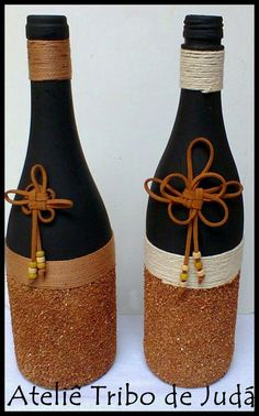 Glass Bottle Crafts, Wine Bottle Art, Diy Bottle, Bottle Vase, Bottles And Jars, Glass Bottles, Bottle Centerpieces, Vases, Pottery Painting Designs