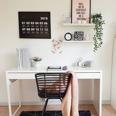 "600 Me gusta, 5 comentarios - Carina (@mrscarlissa) en Instagram: ""Hello dear friendsA little desk inspo for youI'm gonna receive my own desk today that I bought…"""