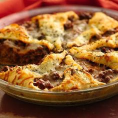 Italian Crescent Casserole - Classic Italian flavors in a flaky Crescent crust, ready in 30 minutes. What a deliciously easy dinner! Italian Dishes, Italian Recipes, Italian Beef, Italian Cheese, Swiss Cheese, Food Dishes, Main Dishes, Dinner Dishes, Food Food