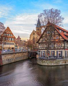 Esslingen am Neckar (Baden-Württemberg). Den perfekten Reisebegleiter findet ihr hier: https://www.profibag.de/reisegepaeck/