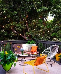 Porch, Gazebo and Backyard Patio Ideas Creating Beautiful Outdoor Rooms in Summer so chill. and also, the tree is glowing.so chill. and also, the tree is glowing. Outdoor Areas, Outdoor Rooms, Outdoor Dining, Outdoor Chairs, Outdoor Decor, Patio Chairs, Adirondack Chairs, Dining Chairs, Garden Furniture