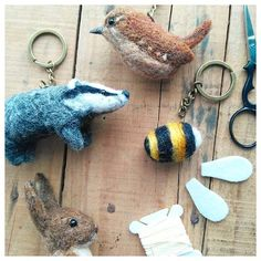 Critters on my desk today! (Wren, Badger, Hare) Of course there's always a bee 🐝!! # WIP #themossymeadow #crafts #needlefelting #handmade #handcrafted #woolart #cardedwool #birds #badger #hare #bumblebee #inspiredbynature #animals #keyrings #waketomake #wren