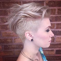 Here are Best Short Undercut Hairstyles for women. The best collection of Short Undercut Haircuts For Women, Latest and best Short Undercut Hairstyles for women Edgy Short Haircuts, Short Hair Undercut, Haircuts For Fine Hair, Undercut Women, Undercut Girl, Girl Mohawk, Pixie Haircuts, Popular Haircuts, Pixies