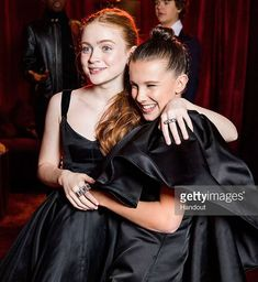 Sadie Sink and Millie Bobby Brown attend the Netflix Golden Globes after party at Waldorf Astoria Beverly Hills on January 2018 in Beverly Hills, California. Bobby Brown Stranger Things, Eleven Stranger Things, Stranger Things Netflix, Millie Bobby Brown, Golden Globes After Party, Sadie Sink, Hollywood, Film Serie, Browns Fans