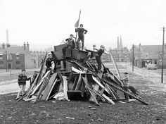 6 photographs of Bonfire Nights of yesteryear in Bolton 1980s Childhood, Childhood Days, Penny For The Guy, Old Photos, Vintage Photos, Guy Fawkes Night, Bonfire Night, The Good Old Days, Back In The Day