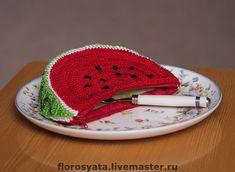 Crochet Pencil Case, Crochet Pouch, Crochet Fruit, Crochet Food, Crochet Handbags, Crochet Purses, Crochet Girls, Cute Crochet, Crochet Shell Stitch