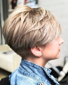 Awesome Pixie And bob Short Hairstyle 2019 - Special for July - Short hairstylewith applied volume spray to the basein all directions. After the hair dry, addvolume powder (in moderation), sprinkle on the hairli... -  #bob #bobcut #cuthair #haircut #hairshort #hairstyles #pixie #shorthair