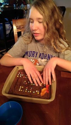 Use M&Ms to place Braille on the cake!