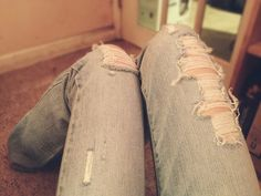 Ripped Jeans DIY. I have been looking for something like this forever!