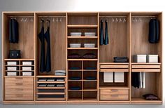 Wardrobe Design Inspiration Home SNS Wardrobe Interior Design, Wardrobe Door Designs, Walk In Closet Design, Wardrobe Design Bedroom, Master Bedroom Closet, Bedroom Furniture Design, Closet Designs, Mirror Bedroom, Bedroom Cupboard Designs