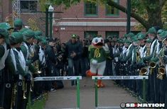 """SHE'S GOT Orє❡On ᎠucҜs'S FEVER ☝GO DUCKS. . ."" He Understands That Sometimes Others Need a Win More than He Does 