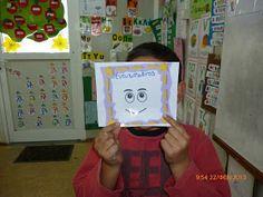 τα ψηφιακά πρωτάκια πάνε στη δευτέρα!!: Μιλάμε για τα συναισθήματά μας διαβάζοντας το παραμύθι της ντροπαλούλας! Lunch Box, Cover, Books, Livros, Book, Libri