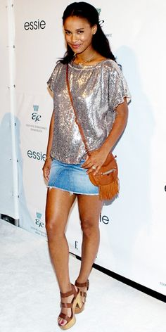 Look of the Day › June 2011 WHAT SHE WORE Bryant stopped by the Elle Spa at Eden Roc in Miami Beach sporting a sequin tunic, jean skirt and rustic leather accessories. Denim Fashion, Star Fashion, Fashion Outfits, Womens Fashion, Joy Bryant, Denim And Diamonds, Glitter Fashion, Summer Chic, Beautiful Celebrities