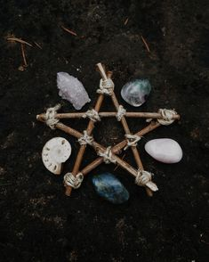 Pagan wild child - lover of all things Witchy. Wicca Witchcraft, Pagan Witch, Magick, Witches, Wiccan Altar, Pentacle, Beltane, Maquillage Phosphorescent, Baby Witch