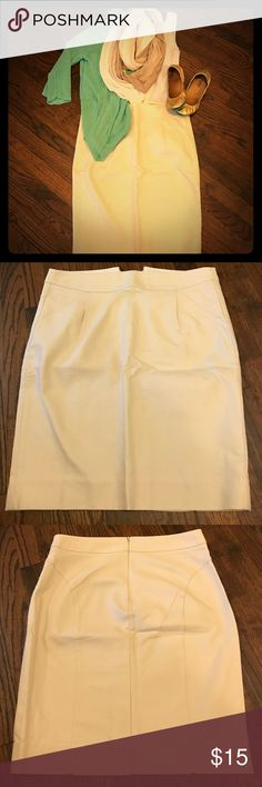Light Khaki J. Crew Pencil Skirt Build your professional wardrobe with this 100% cotton pencil skirt. Texture isn't shown in pictures but is there 😀 Has front pockets with modest slit in back. Never been worn but removed tags a while ago. Clothing care recommends dry clean only. J. Crew Skirts Pencil