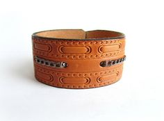 Men's leather cuff bracelet embossed pattern by Bravemenjewelry