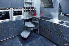 A linha Platinum oferecem uma gama completa de soluções de armazenamento, cobrindo as necessidades de ferragens para armários altos, baixos e de canto, além de…