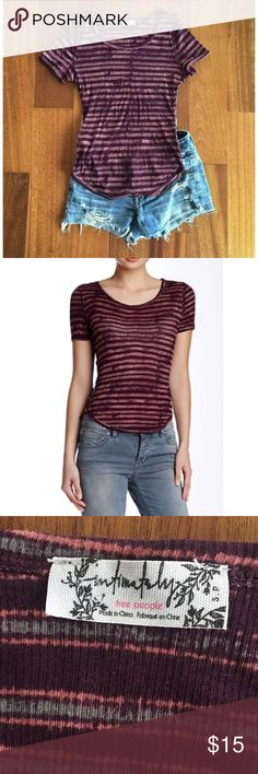 "Free People Baby Tee Stripe print jersey tee with short sleeves, scoop neck, a curved hem and taped & topstitched seams.  Approx. 22"" length.  60% cotton, 40% modal.  Machine wash cold.  Fits true to size. Like new. Free People Tops Tees - Short Sleeve"