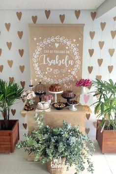 21 ideias de decoração chá de bebê para você colocar a mão na massa e fazer uma festa com a sua cara. Confira as lindas ideias que separamos.