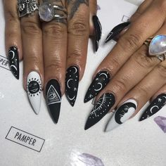 nails stiletto For those who spent Spring sporting geometric nail styles and then channelled je. For those who spent Spring sporting geometric nail styles and then channelled jelly nails à la Kylie Jenner all Summer comes a new style to practice for Witchy Nails, Halloween Acrylic Nails, Halloween Nail Designs, Acrylic Nail Art, Looks Halloween, Easy Halloween, Halloween 2019, Halloween Makeup, Nailed It