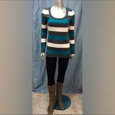 Rue 21 Sweater Very Cute Rue 21 Color Block Sweater in Teal, Gray & Cream!! EXCELLENT CONDITION! 53% Cotton 24% Polyester 23% Rayon (Boots Also Available) Rue 21 Sweaters Crew & Scoop Necks