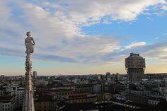 Milano - Torre Velasca e guglie del Duomo