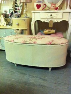 Lloyd loom box upholstered and painted with autentico chalk paint