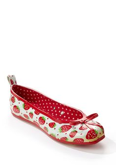 Sweet strawberry rain flats