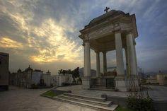 Acabo de compartir la foto de Edgar Asencios Miranda que representa a: Cementerio Presbítero Maestro