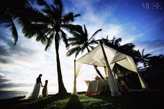 Our MUSE and a beautiful sunset at White Orchid Wedding, Makena Maui. #musebride #museagenci #mauiwedding #hawaiiweddingphotography