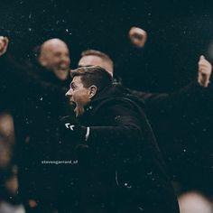 Steven Gerrard Brazil (@stevengerrard_cf) • Fotky a videá na Instagrame Steven Gerrard, Brazil, Movie Posters, Movies, 2016 Movies, Film Poster, Films, Film, Movie Theater