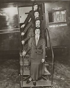 1933 The original four stewardess at American Airways Airline Travel, Air Travel, Happy Wanderers, Vintage Airplanes, Mode Vintage, Flight Attendant, Vintage Travel, Vintage Photos, History