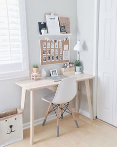 How dreamy this desk?
