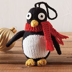 Free Knitted Penguin Pattern This is so cute I cannot wait to make it for my daughter.