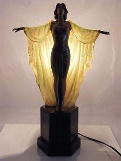 Art Deco Lamp Art Deco Lamp The post Art Deco Lamp appeared first on Lori& Decoration Lab. Arte Art Deco, Estilo Art Deco, Art Nouveau, Interiores Art Deco, Statues, Art Deco Stil, Art Deco Decor, Art Deco Lighting, Table Lighting