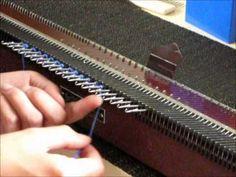 Nadelhebeknöpfe - Knopflöcher / Schlitze auf der Knittax M2 - YouTube