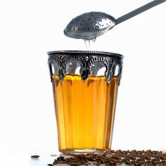 To de-puff your stomach before a big event drink fennel tea which helps ease d